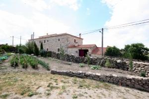 huerto y fachadajunio14 (26)-001